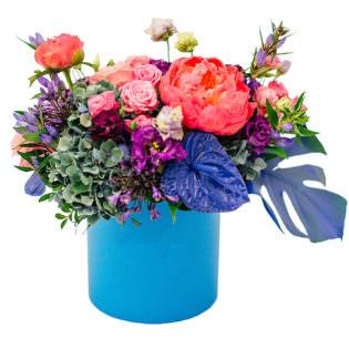 Цветы в коробке «Нежное признание»